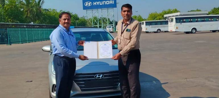 Hyundai Presenting Verna Car To HIET