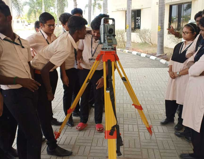 Civil Students Attended Total Station Demo Class